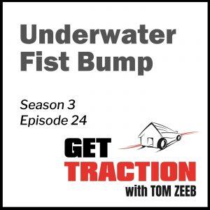 GTS3E24-Underwater Fist Bump